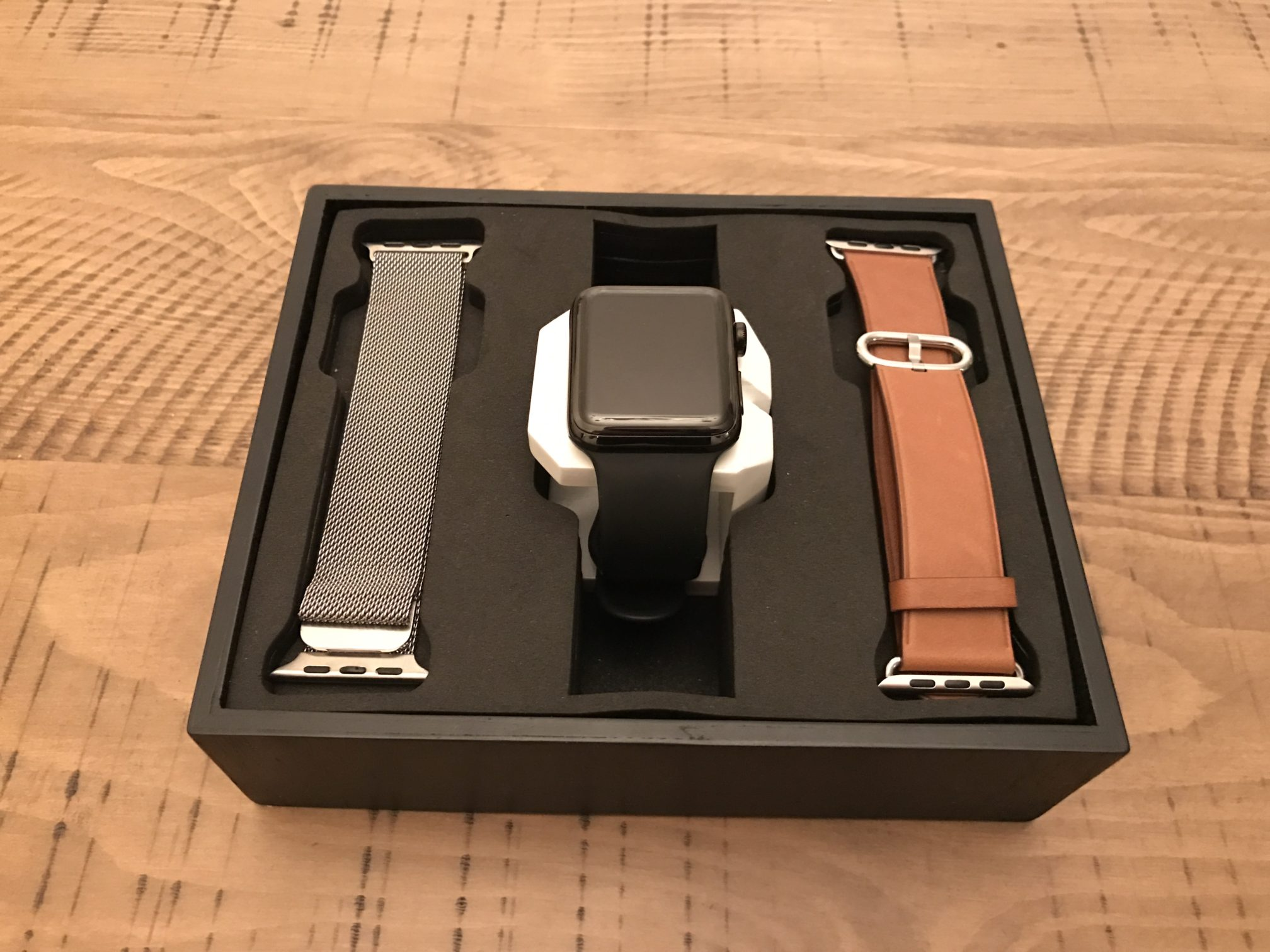 Display – Designed for Apple Watch – Bands, Cases ...